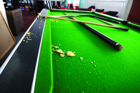 20 things you should never do when playing billiards